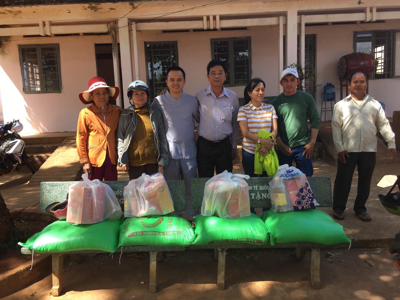 Hoạt động từ thiện cuối năm